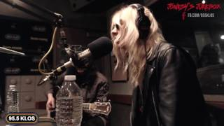 "The Pretty Reckless - KLOS-FMにて""Take Me Down""をスタジオ・セッションで披露 映像を公 thm Music info Clip"