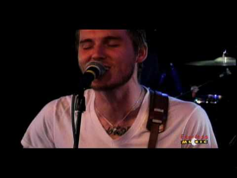 Thumbnail of video The Gaslight Anthem - Old White Lincoln - Live On Fearless Music