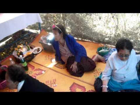 ลงผีหมอที่เวินพระบาท ท่าอุเทน นครพนม , Ghost Feast in WernPraBaht Nakhonphanom
