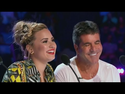 Demi Lovato and Simon Cowell - Funniest moments on The X Factor - Season 3 (3/8) LEGENDADO