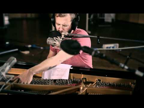Thumbnail of video Bon Iver at AIR Studios (4AD/Jagjaguwar Session)