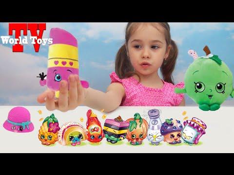 Арина открывает шопкинсы с игрушкой сюрприз распаковка Shopkins surprise blind bags with toys