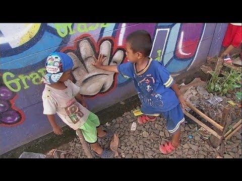 Grafitis para luchar contra la pobreza en Indonesia - le mag