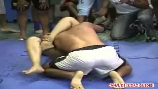 Mulher vence homem em UFC