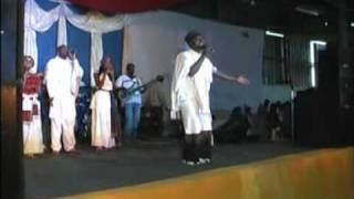 Sii naaf Waaqa haleluya pawulos tegeny 2006.mpg