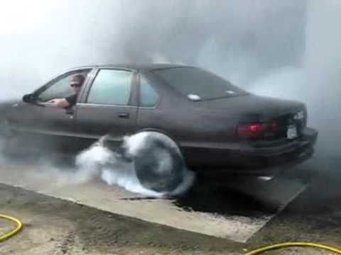 1995 Chevy Caprice LT1 Burnout