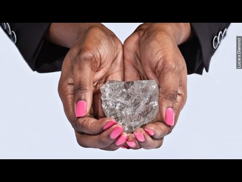 Your Engagement Ring Is A Pebble Compared To This Diamond - Newsy