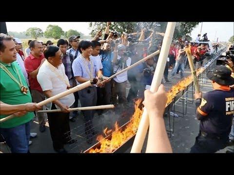 Sen. Bongbong Marcos - World's longest BBQ grill Bayangbang, Pangasinan 4-Apr-2014