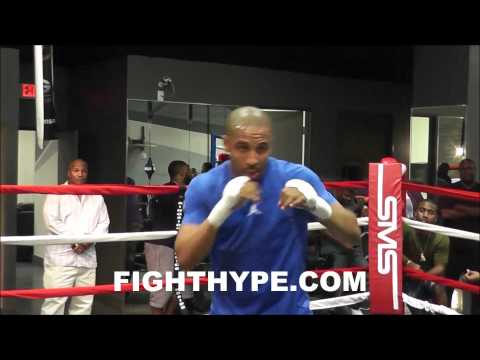 ANDRE WARD SHADOWBOXING AT 50 CENT'S GYM DURING LATE NIGHT WORKOUT Image 1