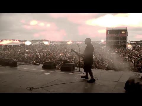 "UNEARTH- ""EYES OF BLACK"" LIVE AT WITH FULL FORCE FESTIVAL"