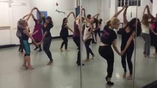 Download Ainy Jaffri taking dance classes in London for Balu Mahi 3Gp Mp4