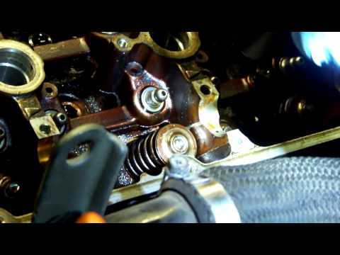 How to install valve spring retainers / keepers on a 3000GT DOHC V6