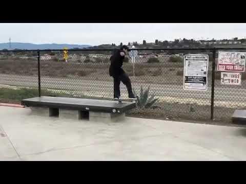 💨💨💨@miltonmartinez 🎥: @austin_ayub | Shralpin Skateboarding