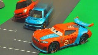 "Disney Cars 3 : Ryan ""Inside"" Laney Racing! - StopMotion"