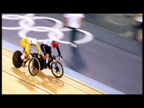 Victoria Pendleton v Anna Meares clash - slow motion, Olympics 2012 Women's Sprint (Track Cycling)