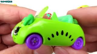 たくさんの車ショップキンキー車のおもちゃ輸送車子供のための車を再生する
