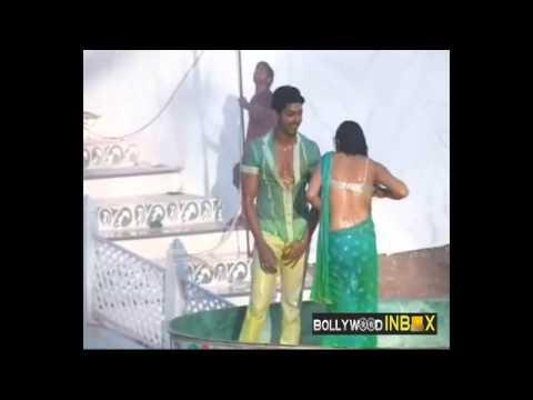 Gurmeet Choudhary & Drashti Dhami dancing @ Tip Tip Barsaa Paani YouTube 1) flv | موفيزهوس منوعات
