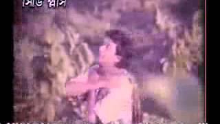 Sabnur And Amin Khan Bangla Movie Song Prithibike Valobeshe