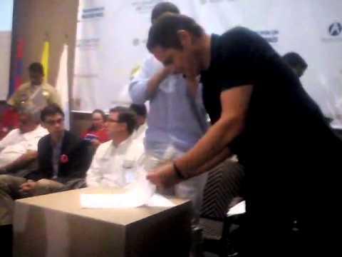 Momentos en que fue firmada el acta de inicio de Remodelación del @AeroSantaMarta