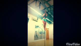 Pole fitness-Teddy Bear into Superman!
