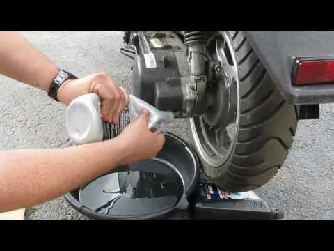 Taotao ATM150-A Evo scooter GY6 150cc - How to change the gear oil