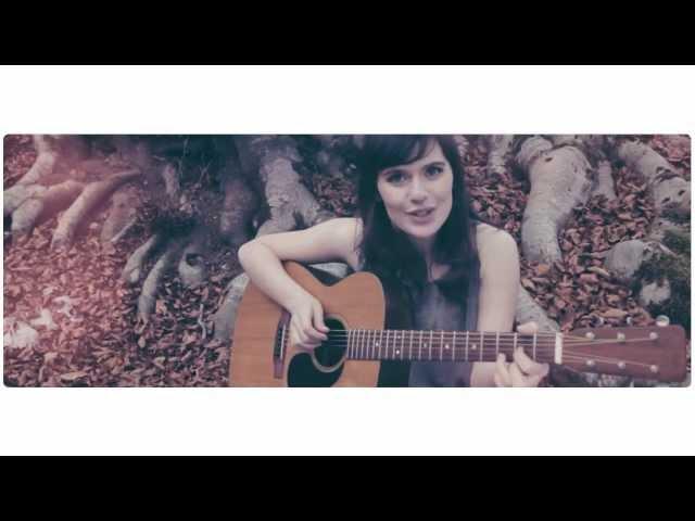 """ERICA MOU """"NELLA VASCA DA BAGNO DEL TEMPO"""" - Official Video"""