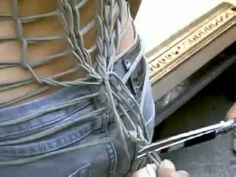 Видео как порезать джинсы красиво