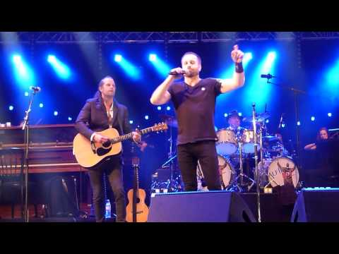 Alfie Boe 'RUN' Leeds Millenium Square 24.07.15 HD