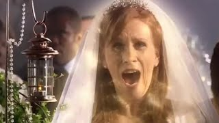 Donna is kidnapped by The Doctor - Doctor Who - The Runaway Bride - BBC