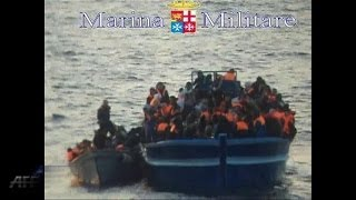 Italy navy rescue 600 migrants in overcrowded boats