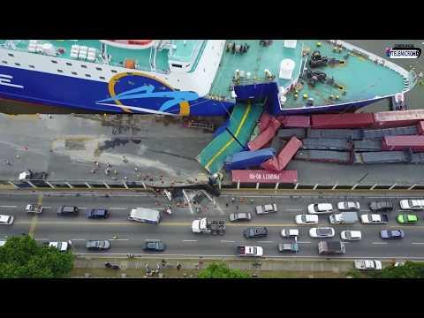 Impactante!! Momento del Accidente del Barco de Ferries del Caribe con (Vista Aerea)