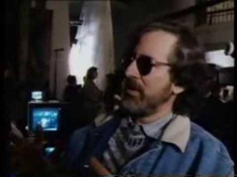 Steven Spielberg & Michael Crichton On The Set Of JURASSIC PARK