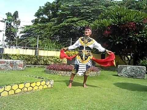 (2) Tari Remo Kakek Masduki Usia 80 Tahun Dari Bangkalan Madura video