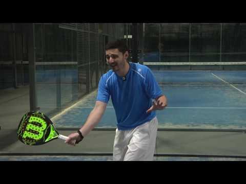 Aprende a jugar al pádel con Paddelea - El golpe de derecha