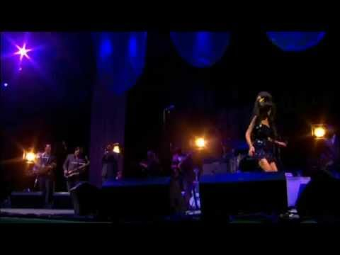 Amy Winehouse He Can Only Hold Her (Live Glastonbury Festival 2008 Intro Band)