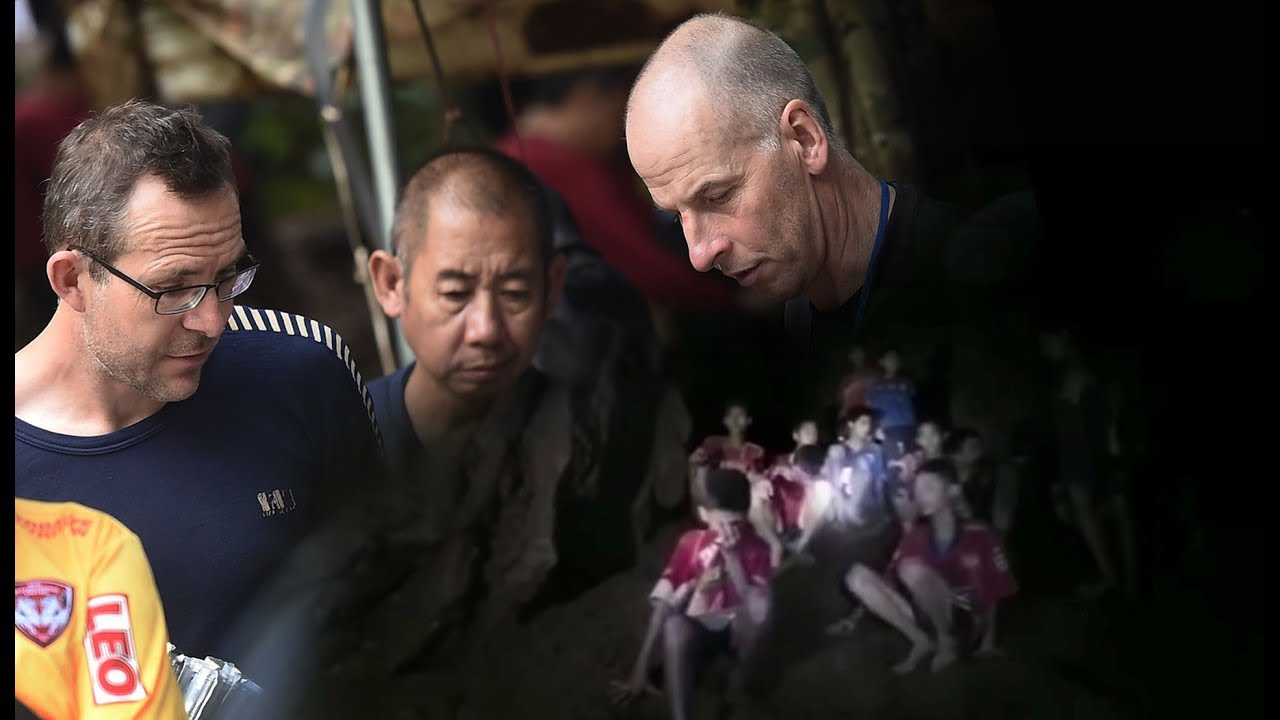 Rescuers trying to get trapped boys out of Thai cave