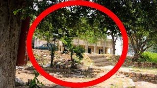Real Ghost caught on Camera Near Scary old Building - Real Ghost Videos in india - Real Scary Videos