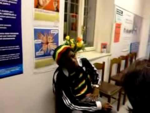 BOBMARLEYMAGAZINE.COM - Interview With Junior Marvin Original Wailers Asti 2009