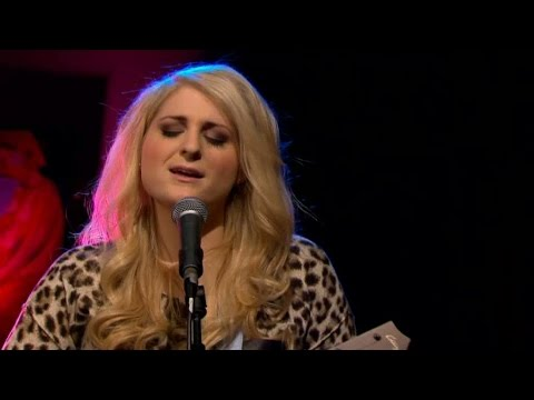 Meghan Trainor - All about that bass (Acoustic)  - Malou Efter tio (TV4)
