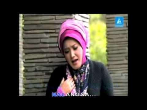Evie Tamala   Nandang Tunggara