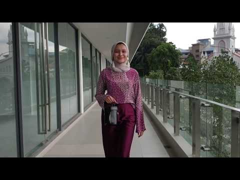 How to Style Batik Top