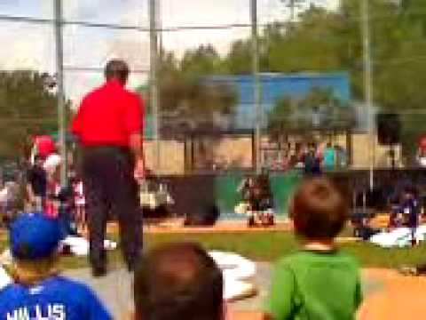 Angels hall of famer throws first pitch at a little league field