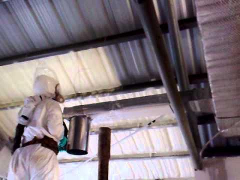 Aplicacion espuma de poliuretano en techo de galpon 1 for Terminaciones de techos interiores