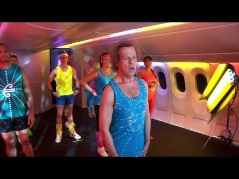 More mile-high madness! Behind the scenes with Richard Simmons.