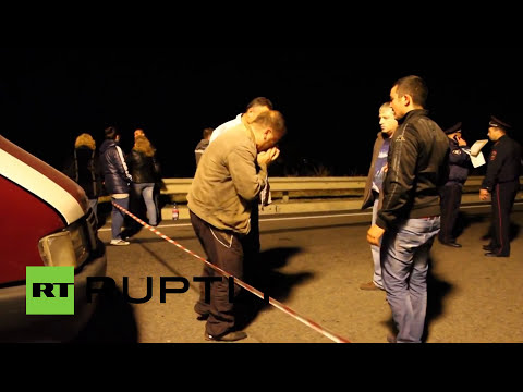 Massive sinkhole on Crimea highway leaves 6 dead
