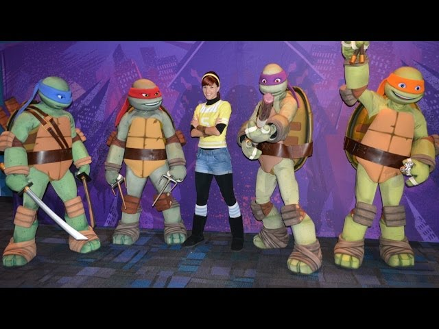 Teenage Mutant Ninja Turtles and April O'Neil Meet & Greet at Nickelodeon Suites Resort + Foot Clan