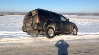 Nissan Pathfinder R51 winter off road