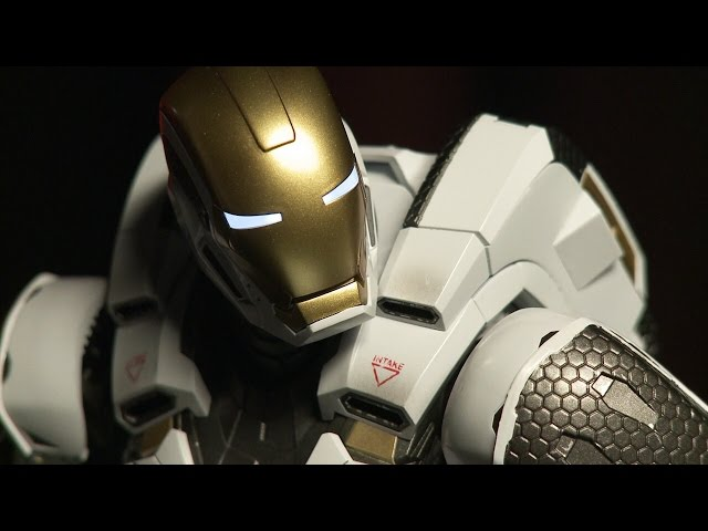 Iron Man 3: Starboost Mark 39 Figure Unboxing