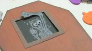 Ku-ku Card Halloween Coffin (urna)