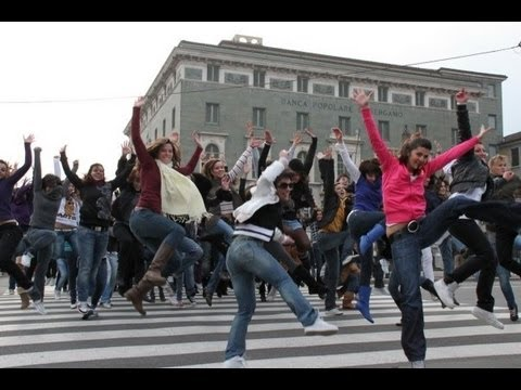 Nena and the Superyeahs - Jungle Drum - Official Video (Flash Mob)